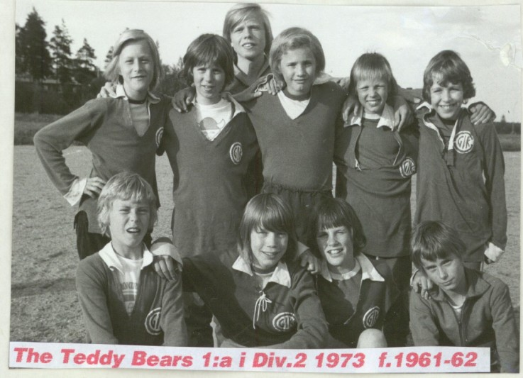 1973 the teddy bears.jpg
